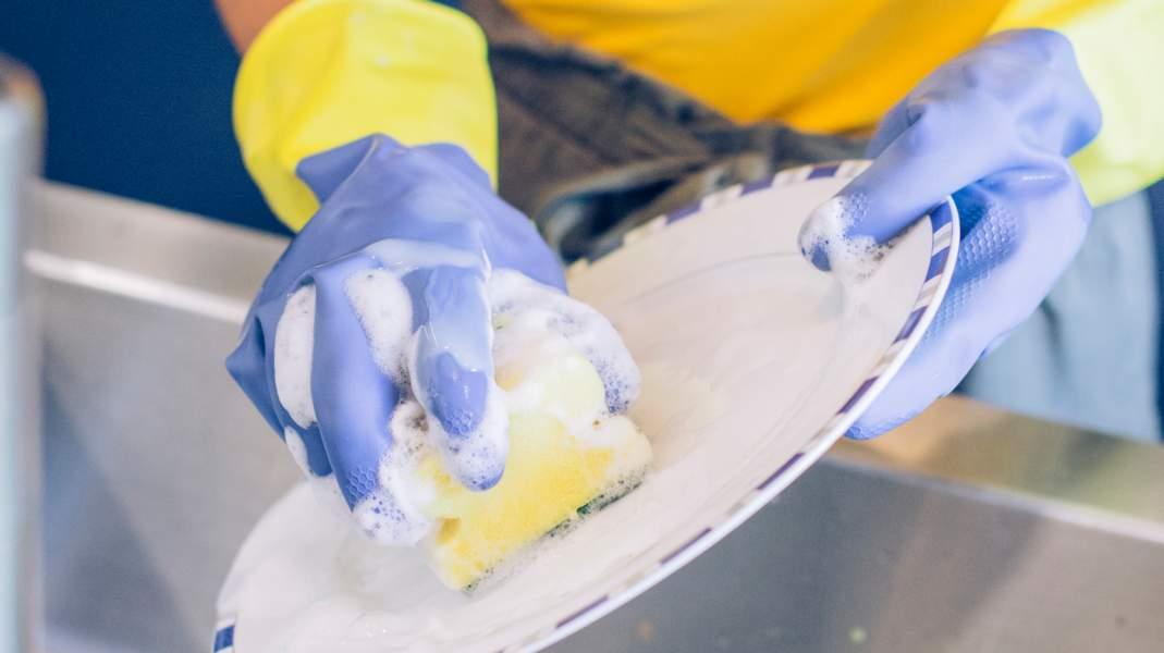 Consejos para el uso correcto del lavavajillas de mano