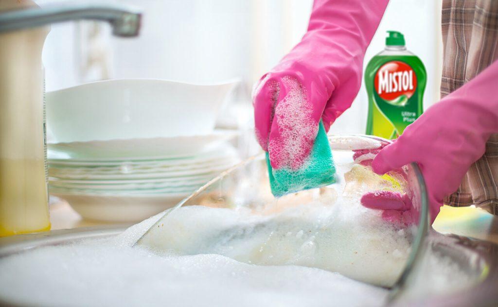 ¿Qué cantidad de lavavajillas mano debería usar?_1